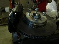 Оригинальные переходники, диски и адаптеры.  В установочный комплект входит.  Диски тормозные Mersedes-Benz w124 E500...
