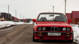 BMW E30 335 Coupe
