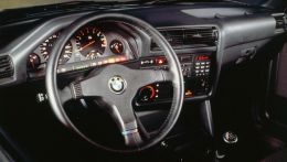 1987-bmw-e30-m3-interior-photo-365391-s-1280x